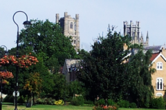 ely_apercu_cathedrale_depuis_riviere_Ouse