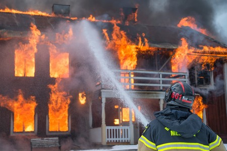 La maison brûle