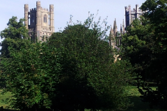 ely_montee_vers_cathedrale