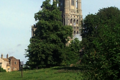 ely_tour_ouest_cathedrale_depuis_jardin_jubilees_1