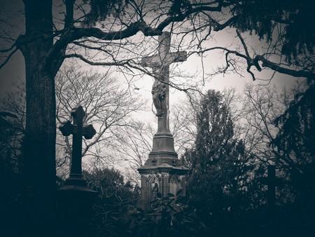 Mort au cimetière
